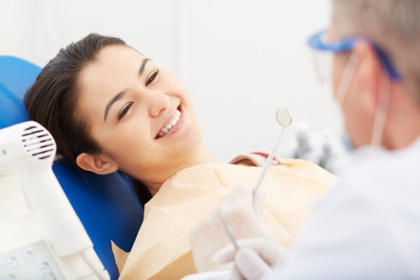 Лечение зубов в России выгодно